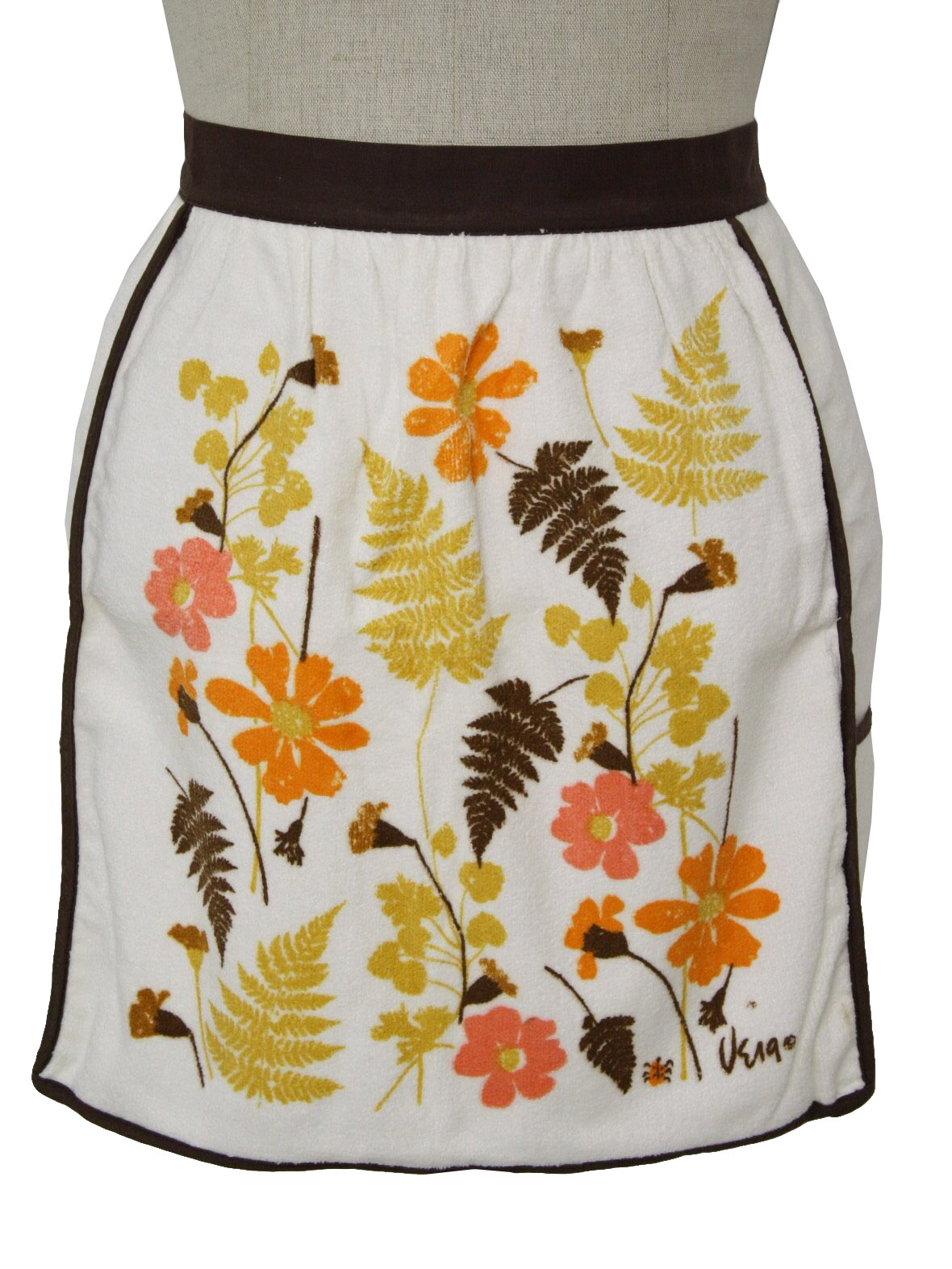 White half apron vintage - Vintage 60s Apron 60s Vera Designer Womens New Old Off White Dark Brown Gold Orange Coral Pink Ochre Flowers And Leaves Screen Print Cotton Terry