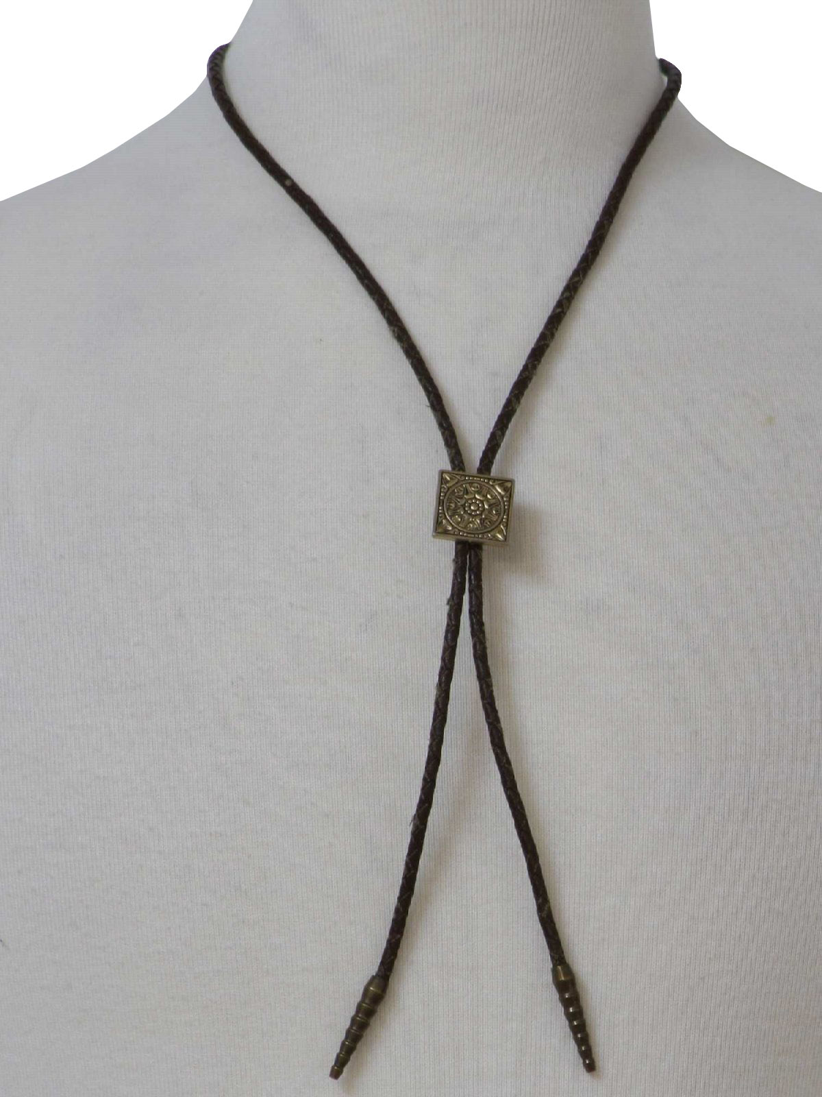 Tie: 70s -Missing Mark- Mens well worn brown leather braided bolo tie