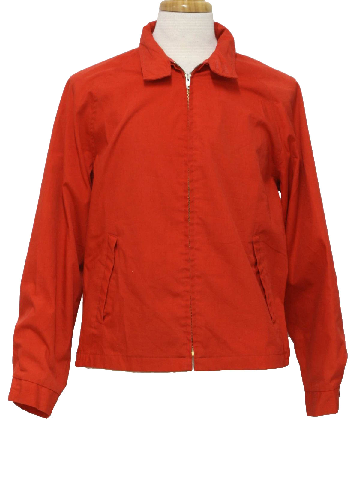 The classic look of jackets from Gap will please everyone in the family. Find the best fit for men, women, children, toddlers and babies in warm and comfortable jacket selections.