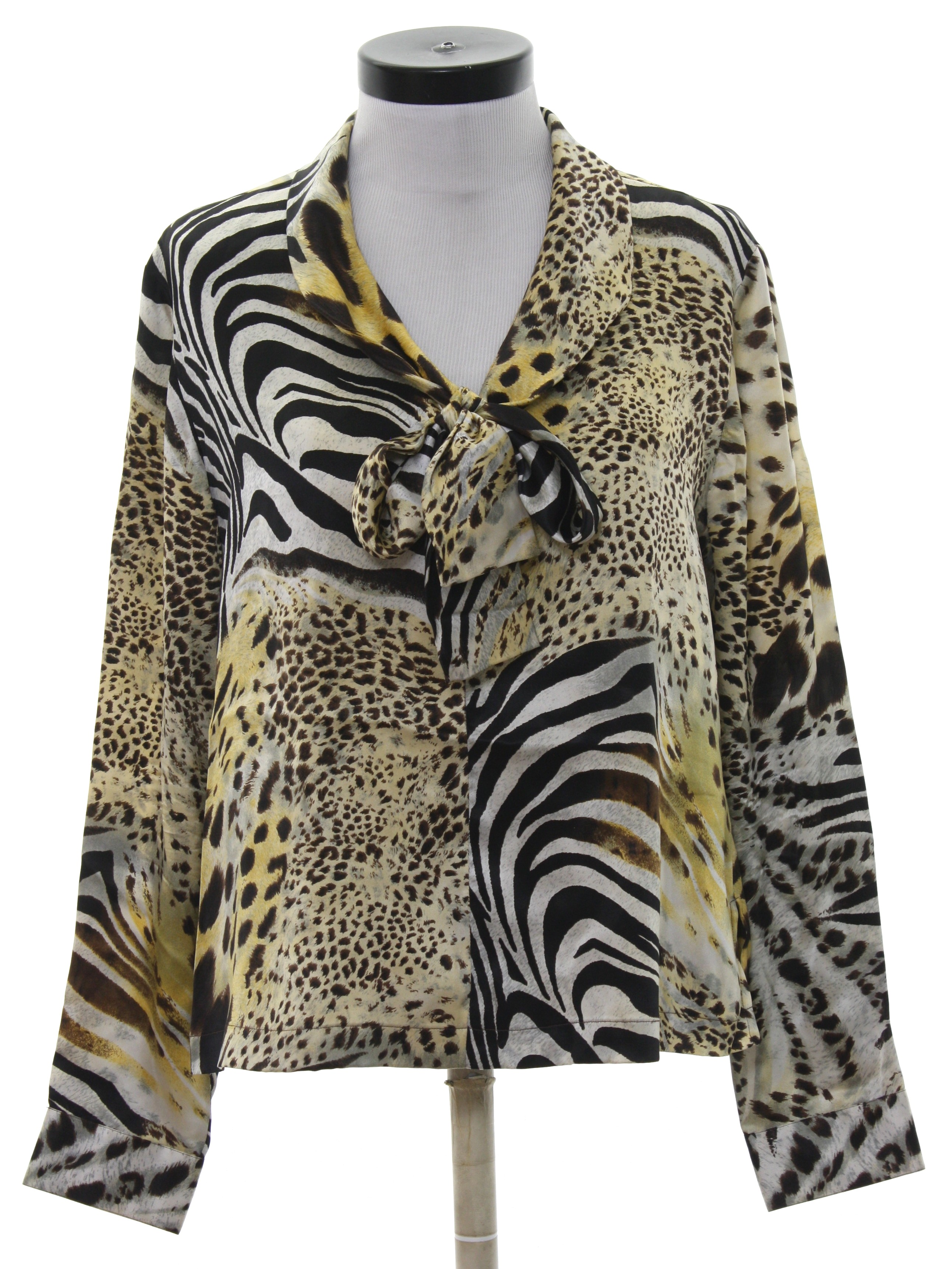 2a9eb44ccea1c 80 s Collection Shirt  80s -Collection- Womens cream background silk button  cuff longsleeve pullover shirt. Bold animal print in shades of brown