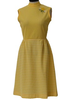 1970's Womens Casual Designer Mod Knit Dress