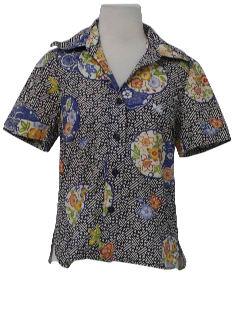 1960's Womens Hawaiian Style Shirt