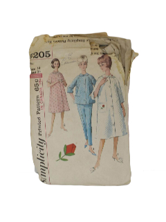 1960's Womens Night Robe Dress Pattern