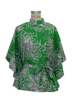 1960's Womens Butterfly Style Hawaiian Lounge Shirt