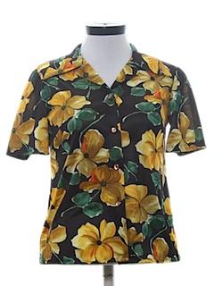 1970's Womens Print Hawaiian Style Sport Shirt