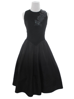 1980's Womens Velvet Prom Or Cocktail Dress