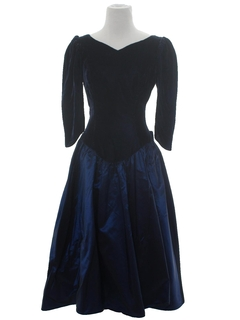 1980's Womens Designer Princess Style Velvet Prom Or Cocktail Dress