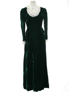 1960's Womens Velvet Prairie Dress