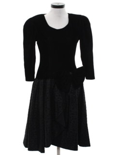 1980's Womens Totally 80s Prom Or Cocktail Velvet Dress