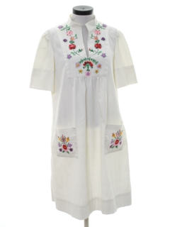 1970's Womens Embroidered Mexican Style Hippie Dress