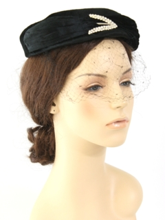 1950's Womens Accessories - Velvet Hat