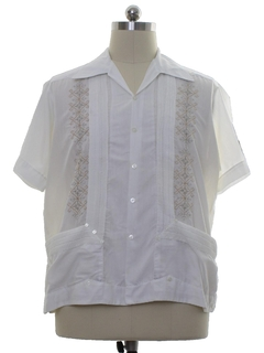 1970's Mens Embroidered Hippie Style Guayabera Shirt