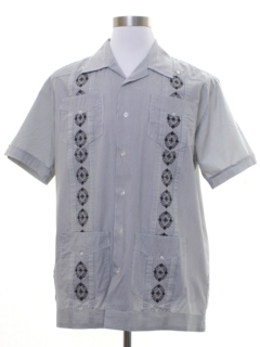 1990's Mens Embroidered Guayabera Shirt