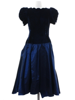 1980's Womens Designer Totally 80s Velvet Prom Or Cocktail Dress