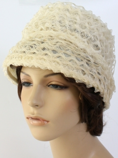 1950's Womens Accessories - Raised Pillbox Hat
