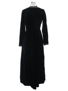 1960's Womens Velvet Prom Or Cocktail Maxi Dress